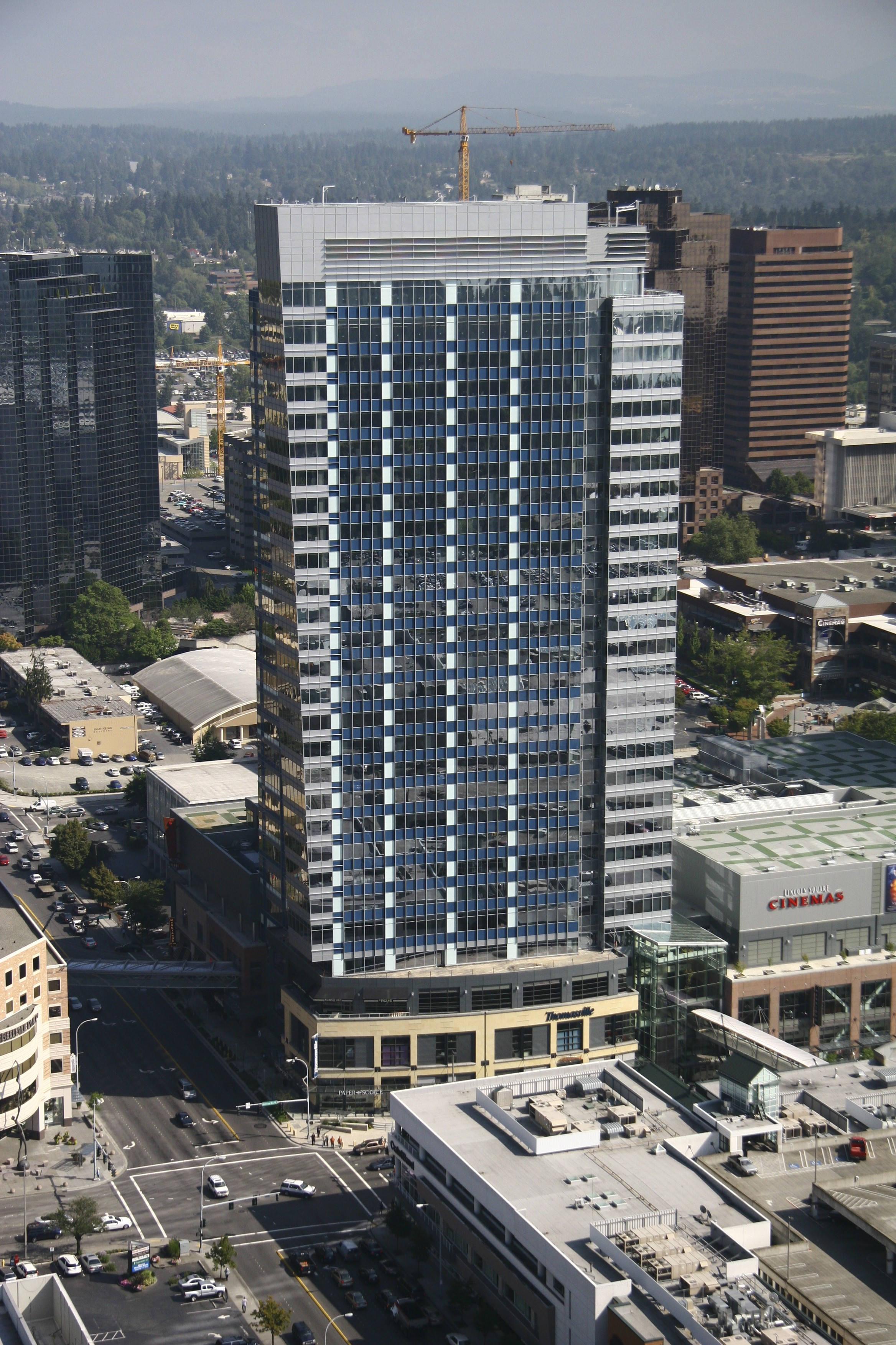 Lincoln Square, Bellevue, WA   Glazing contractor: Walters and Wolf   Architect: Sclater Partners   Glass: Guardian AG43 on clear
