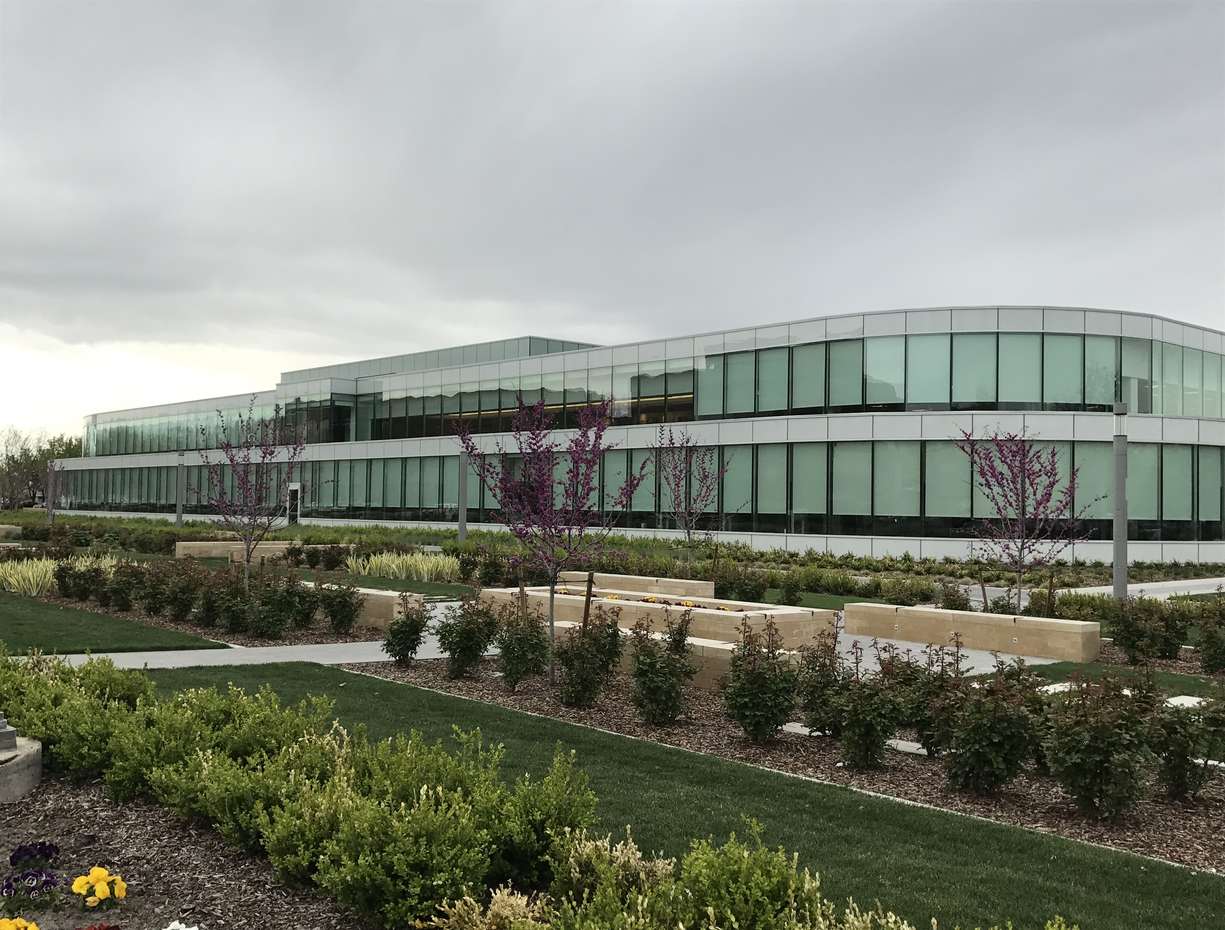 OC Tanner, Salt Lake City, Utah | Glazing Contractor: B&D Glass | Architect: FFKR Architects, SLC | Glass: PPG SB70 Clear